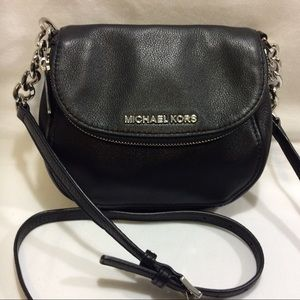 MICHAEL KORS BLACK LEATHER MINI CROSSBODY EUC
